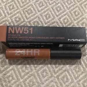 MAC Studio Fix Concealer NW51